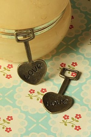 Photo1: SALE-Antique Style Bronze Charms - Love Digger