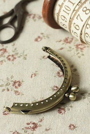 "Photo1: Antique Brass Purse Frame with Hoops - 6cm x 8.5cm (2.4DIY Purse Frame"" x 3.2""DIY Purse Frame"")"""