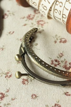 "Photo2: Antique Brass Purse Frame with Hoops - 6cm x 8.5cm (2.4DIY Purse Frame"" x 3.2""DIY Purse Frame"")"""