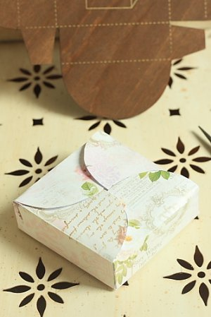 Photo3: Antique Style ECO Gift Box Template - Square