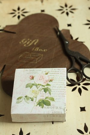 Photo4: Antique Style ECO Gift Box Template - Square