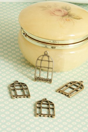 Photo1: SALE-Antique Style Bronze Charms - Large Bird Cage