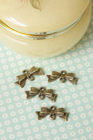 Photo1: SALE-Antique Style Bronze Charms - Lovely Bows