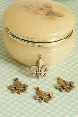 Antique Style Bronze Charms - Fleur-De-Lis